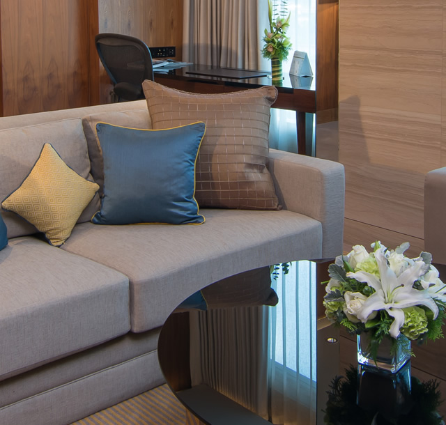 Luxurious furnishings, thoughtful service and the latest technology.